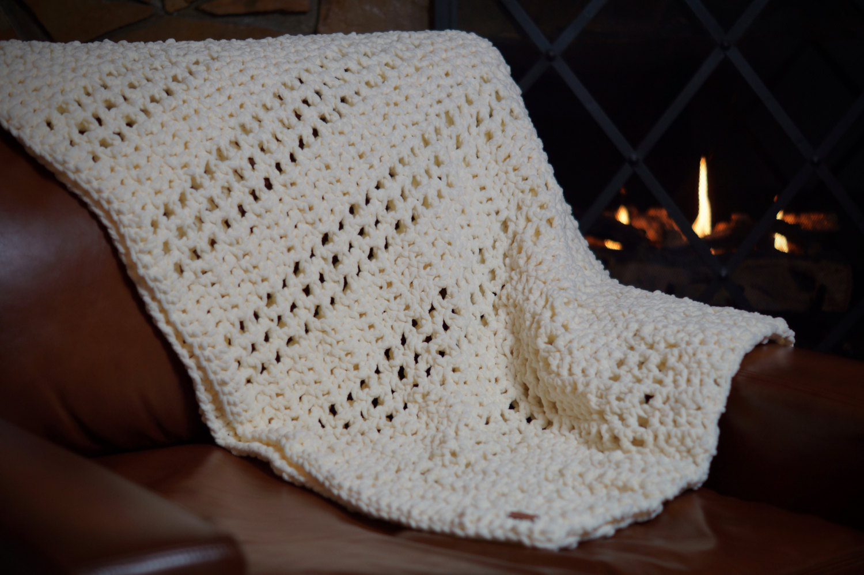 AspenWarm Classic Chenille Blanket
